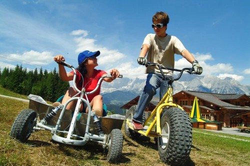 Mountain go-karting directly at the hotel (© Schladming-Dachstein region)